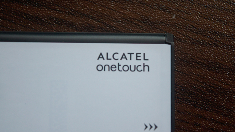 The label on the battery which reads 'alcatel onetouch'